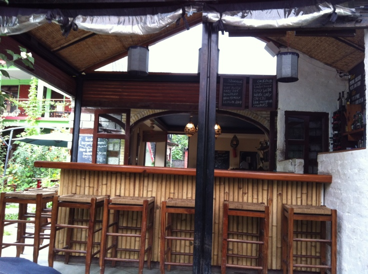Hangout Cafe - the bar old manali